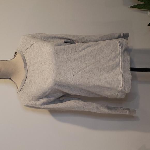 EVERLANE 100% Cotton Heathered grey crewneck